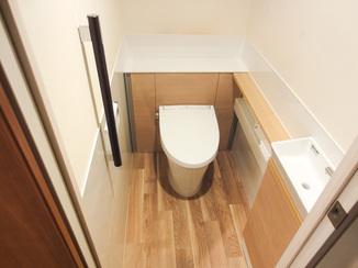 トイレリフォーム スッキリレイアウトのお掃除しやすいトイレ空間