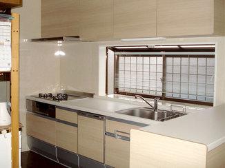 キッチンリフォーム 高さを合わせてコンパクトで使いやすいキッチンに