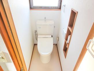 トイレリフォーム 動線を考えレイアウトされた広々トイレ