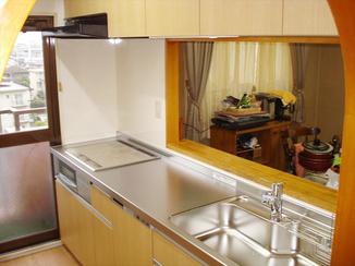 キッチンリフォーム スペースを最大限に活かしたキッチン
