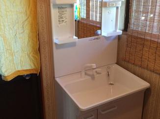 洗面リフォーム ライフスタイルに合わせた75cmの洗面化粧台
