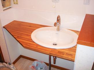洗面リフォーム カウンターごと取り換えて使い勝手の変わらない洗面に
