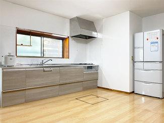 キッチンリフォーム ひろびろ使える明るいLDKと、温かなバスルーム