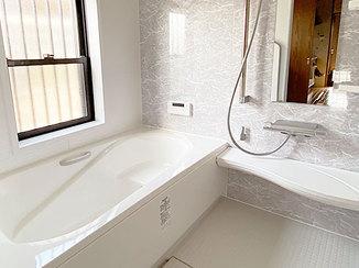 バスルームリフォーム 段差を解消し、すっきりさせた浴室&洗面所