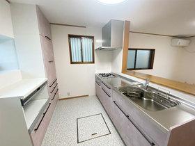 キッチンリフォーム経年劣化したキッチンを明るく綺麗にリフォーム